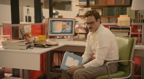 Joaquin Phoenix as Theodore in her (photo: courtesy of IMBD, Rick Howard Company LLC)