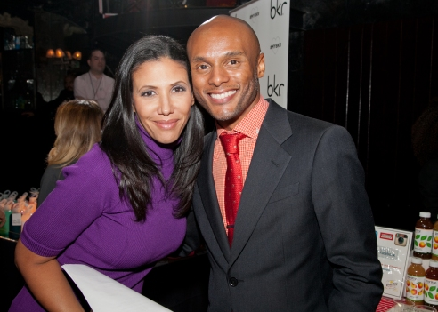 Actress_Wendy_Davis_and_Grammy_nominated_recording_artist_Kenny_Lattimore_-_Buck_Lewis