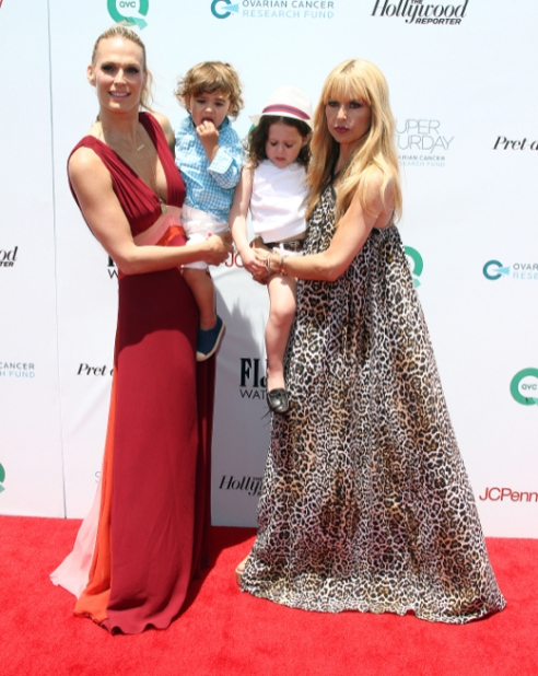 Molly Sims and Rachel Zoe with their children at Super Saturday LA. (Photo credit: www.celebbabylaundry.com)
