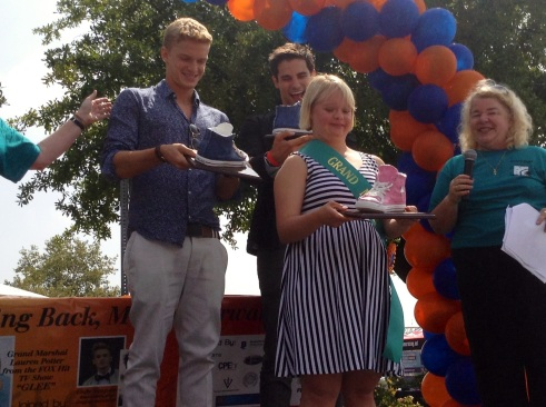 Lauren Potter (Glee), Cody Simpson (Singer), Brant Daughtry (Pretty Little Liars) Receiving honorary Chuck Taylor piggy banks in honor of their support for New Horizons at their 7th Annual 5k Run/Walk on the Horizon (photo credit: Rochelle Robinson)