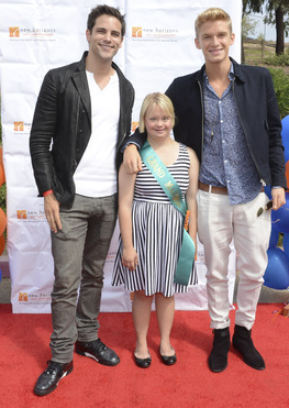 New Horizon's 7th Annual Run/Walk on the Horizon Grand Marshal, Lauren Potter (Glee) with hosts Brant Daughtry (Pretty Little Liars), and Cody Simpson (Singer) photo credit: Vivien Killilea/WireImage)