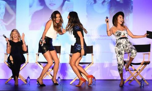 BeautyCon LA 2014 panelists shaking it loose (photo credit: Alexa Wyman)