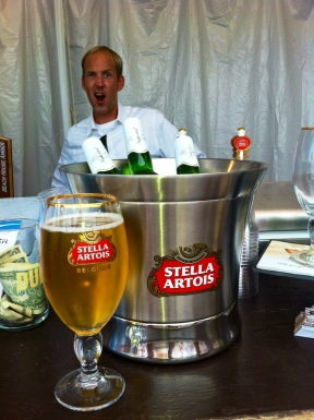 Stella Artois bartender serves with style at Walk With Sally's 8th Annual  White Light White Night event (photo credit: Rochelle Robinson)