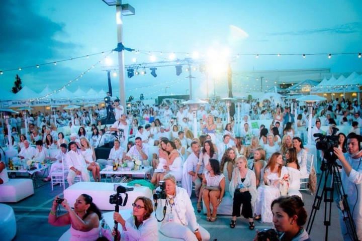 8th Annual White Light White Night for Walk With Sally (photo: courtesy of Walk With Sally)