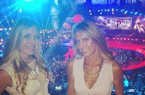 Amber Nowland (left) at the 2014 MTV Movie Awards.