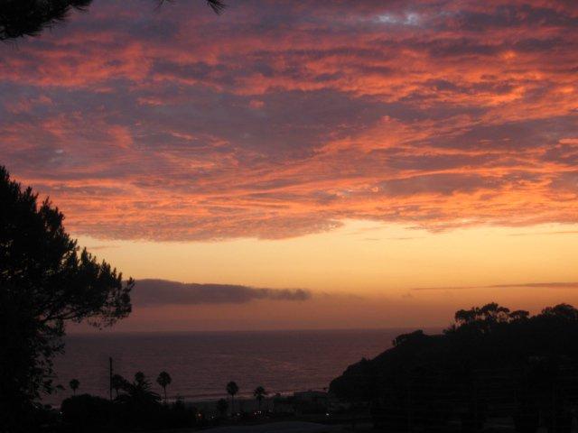 Morning sunrise in Santa Monica (Photo credit: Lauren Faretta)