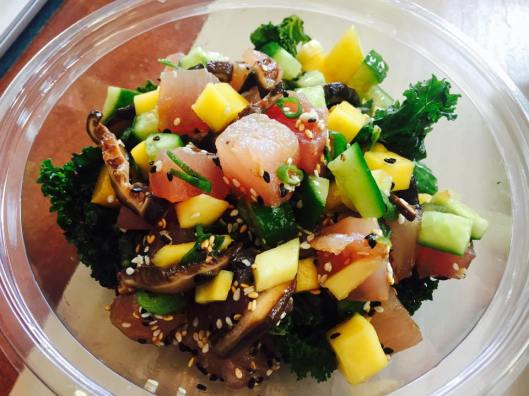 Sweetfin Poke: tuna over kale