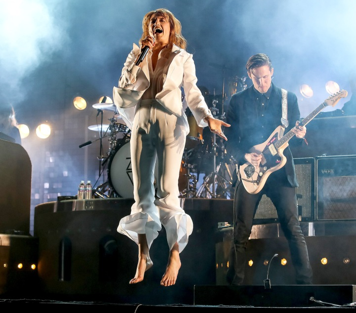 1429110970_florence-welch-zoom