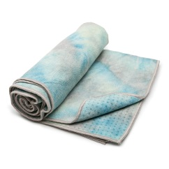 Yogitoes mat-towel in Groovy Quest (photo: courtesy of Maduka)