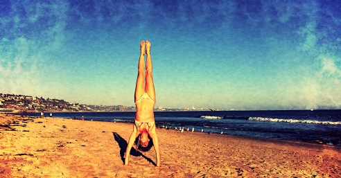 @Manduka #NowStartsNow Rochelle Robinson, co-founder of LaLaScoop and owner of Andiamo Body, seaside in Malibu (photo credit: Melissa Curtin