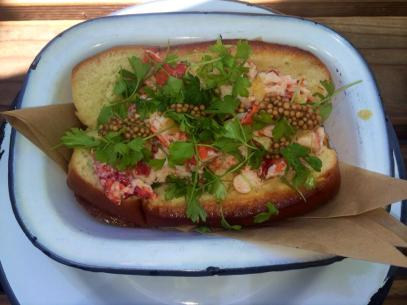 lobster roll Playa Provisions