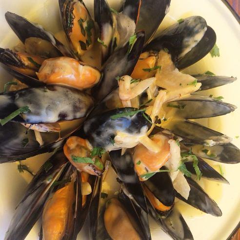 The Albright Santa Monica pier mussels