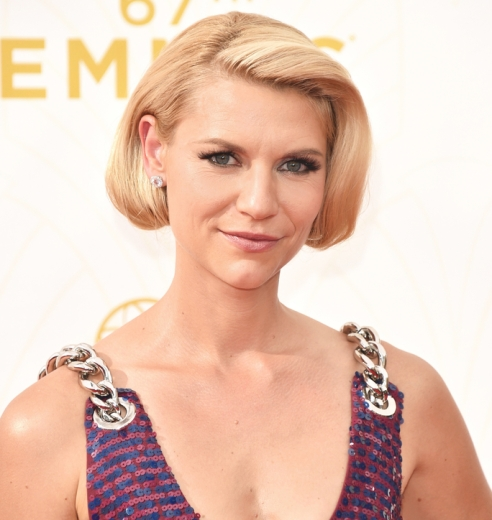 LOS ANGELES, CA - SEPTEMBER 20: Actress Claire Danes attends the 67th Annual Primetime Emmy Awards at Microsoft Theater on September 20, 2015 in Los Angeles, California. (Photo by John Shearer/WireImage. Credit: www.Instyle.com)